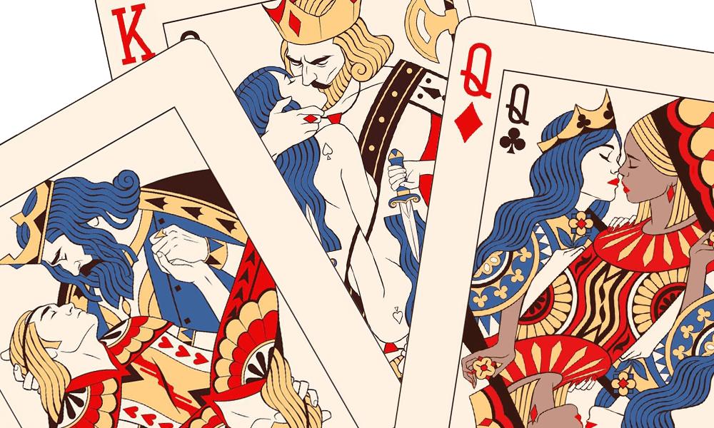 Un'artista ha unito le figure delle carte da gioco per celebrare il trionfo dell'amore libero