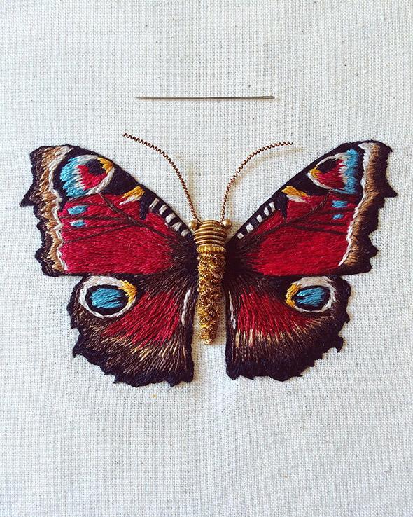 I meravigliosi insetti ricamati di Humayrah