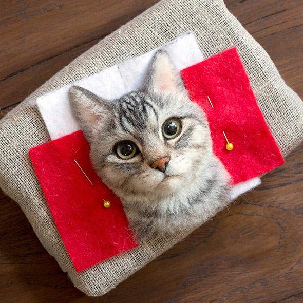 Ritratti iperrealistici di gatti realizzati con la lana infeltrita